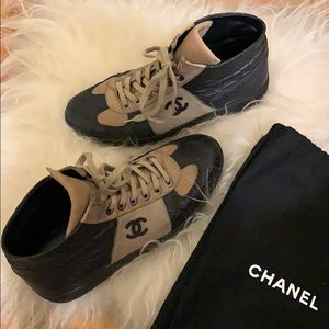 Chanel Leather Sneakers size 38
